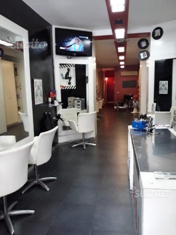 Attività negozio parrucchiere Napoli centro
