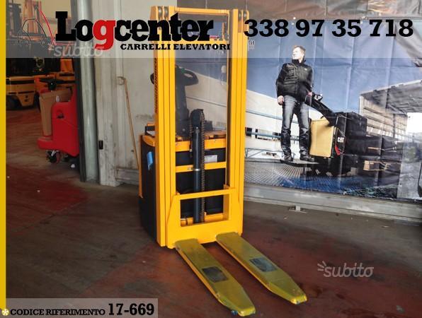 Carrello elevatatore Stoccatore elettrico 12 Q.li