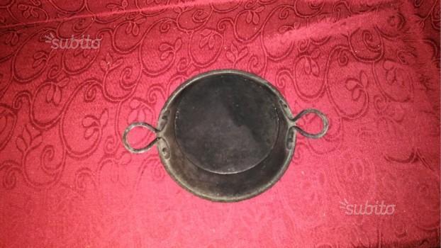 Padella molto antica in rame diametro cm. 26