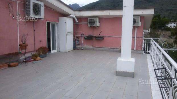 Appartamento con terrazzo di 50 mq e box