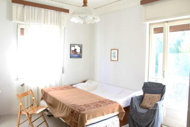 Zona Ponti Rossi 3camere, cucina e wc panoramico