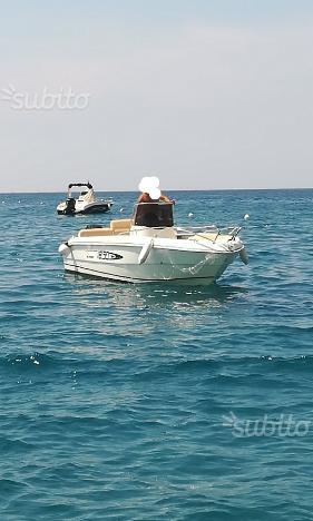 Barca a motore mano marine 18.50