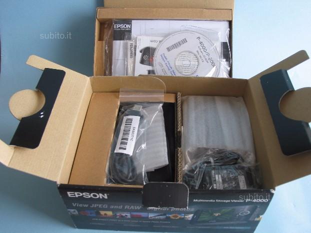 Epson P-4000 con 3 batterie originali, custodia pe