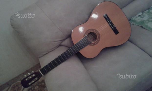 Chitarra classica nuova
