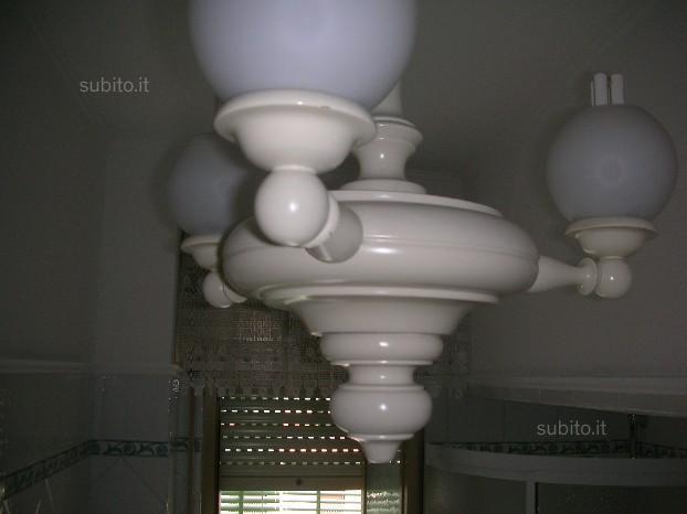 Lampadario di legno