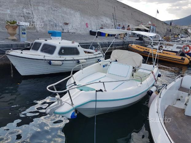 Barca prendisole 19 con Motore
