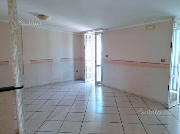 Appartamento in Afragola (Via Arturo De Rosa)