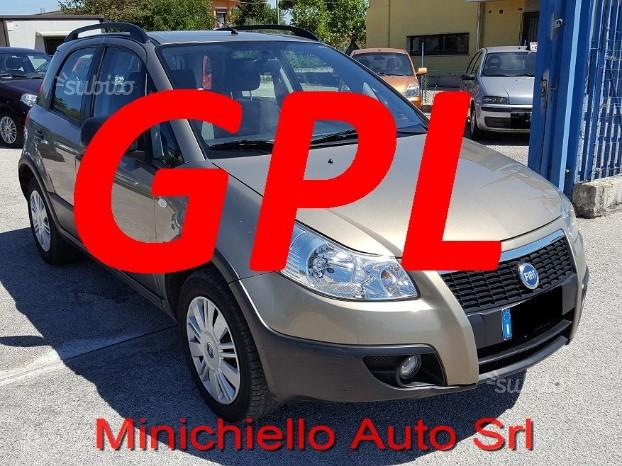 FIAT 16 SEDICI 4x4 GPL scad 2027