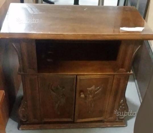 Mobiletto in legno