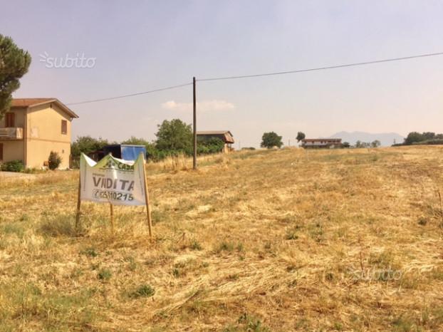 Terreno a destinazione commerciale con progetto