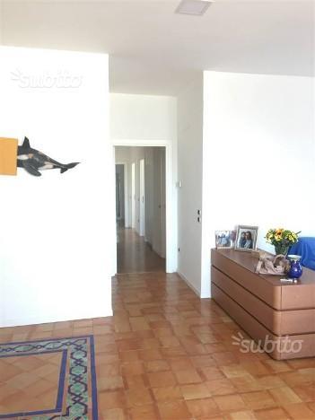 Corso v. emanuele attico con terrazzo