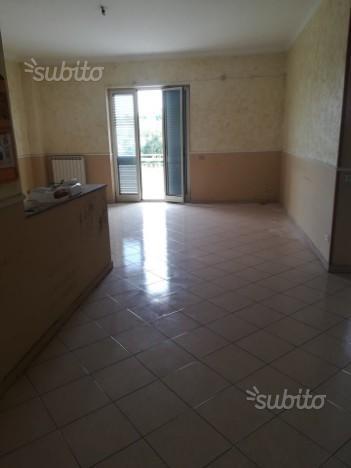 Villaricca 2 porponiamo appartamento fronte strada