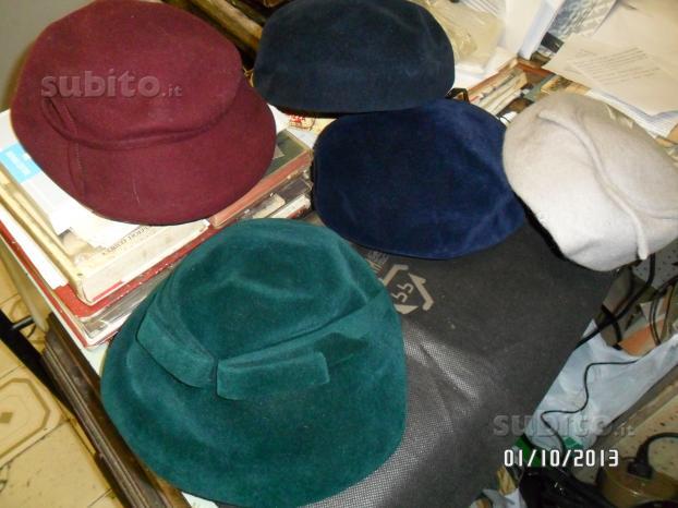 Collezionismo bottoni cappelli e altro vintage