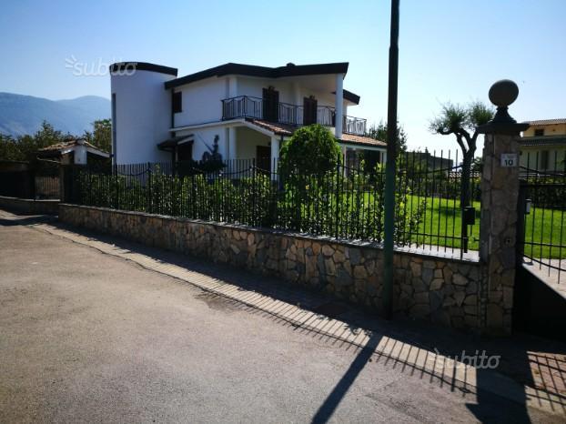 Villa indipendente con rifiniture di pregio