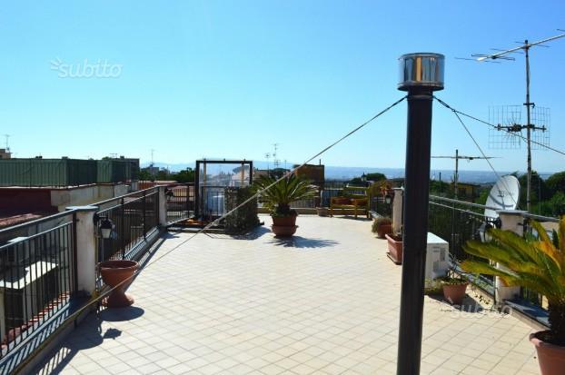 Semi-indipendente con terrazzo di copertura