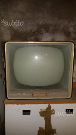Televisore antico