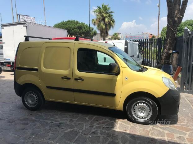 Renault kango furgone anno 2008 1.6 gpl