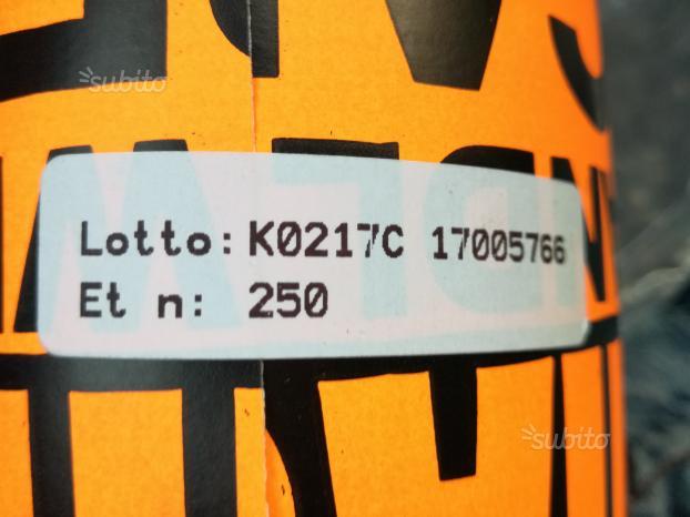 Rotoli etichette adesive scritta fragile fluoresce