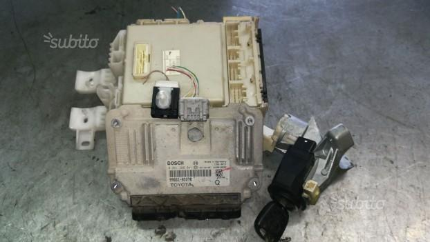 Kit centralina motore toyota yaris 2007