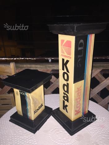 2 Espositori Pubblicitari/Totem Kodak In Plastica