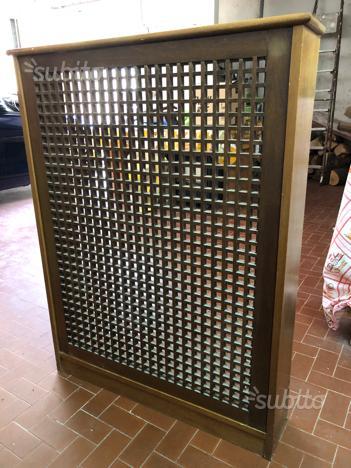 Copri radiatori in legno fatti su misura