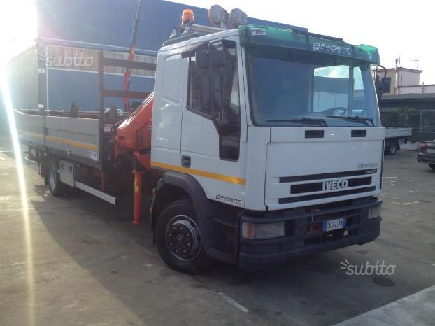 IVECO Eurocargo 120E24 con gru e cassone
