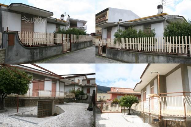 Falciano villa indipendente su 2 livelli con giard
