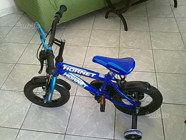 Bicicletta con rotelle