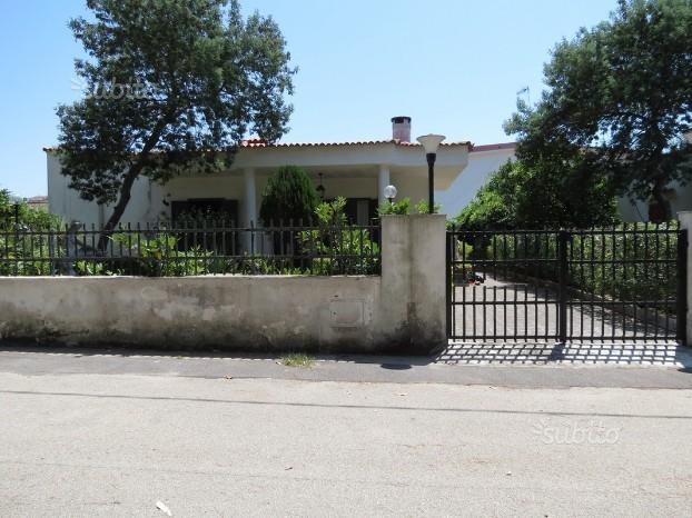 283 villa singola con giardino baia verde