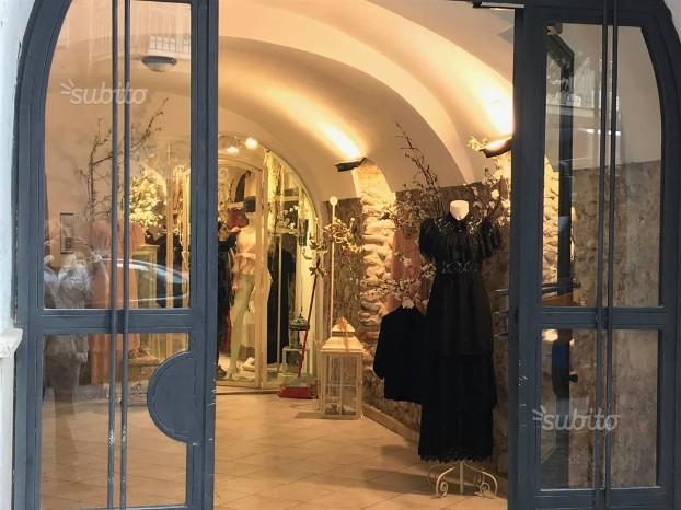 Salerno negozio via trento commerciale