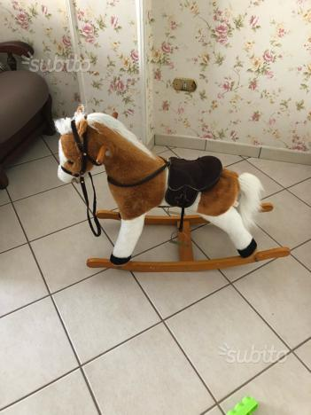 Cavallo a dondolo