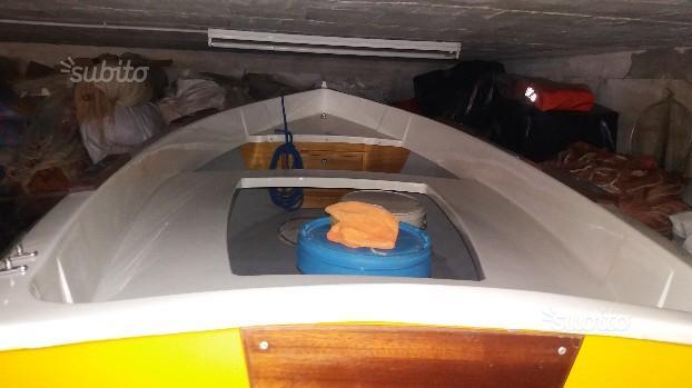 Barca in vetroresina mt 280