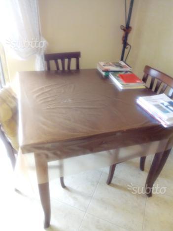 Tavolo legno +4sedie