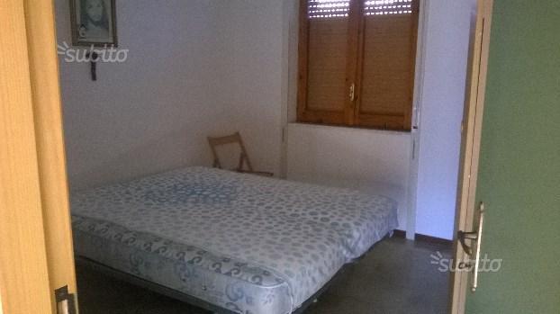 2 camere da letto,bagno,salone-cucina,terrazzo