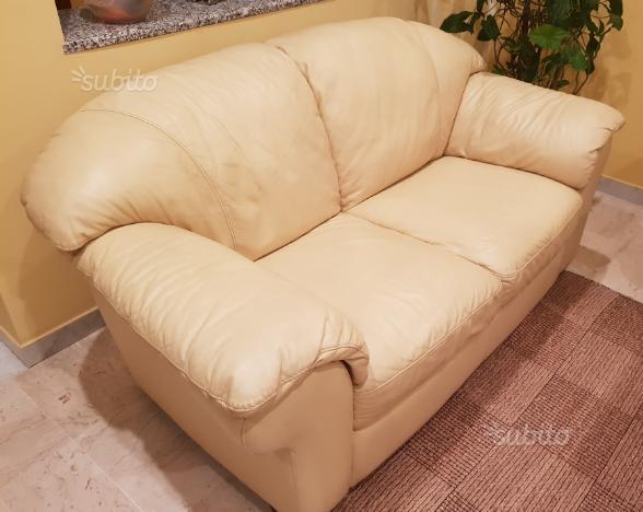 Coppia di divani in vera pelle