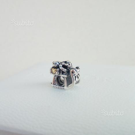 Charm Pandora Slitta di Natale Argento e Oro