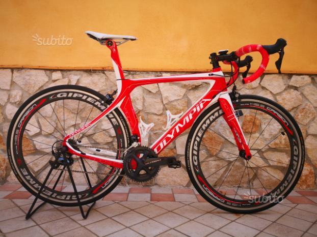 Bici da corsa full carbon olympia boost