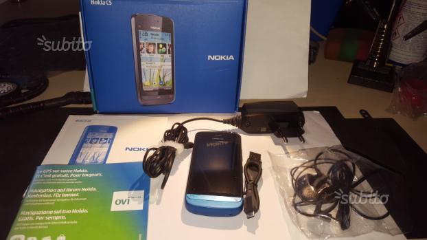 Nokia C5 cellulare