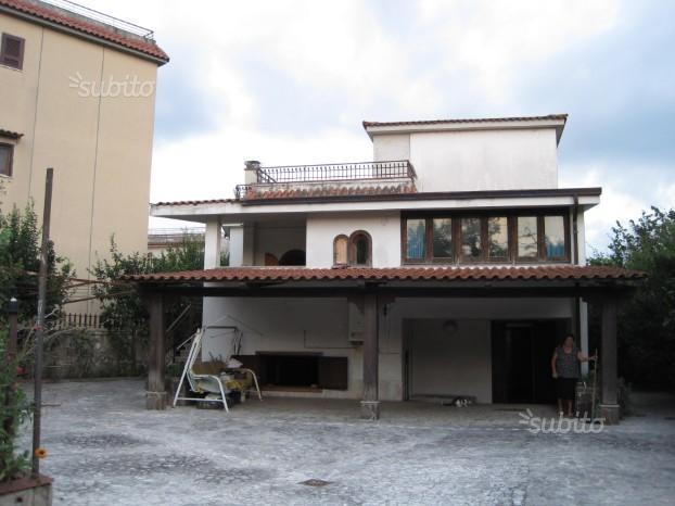 Villa in Saviano