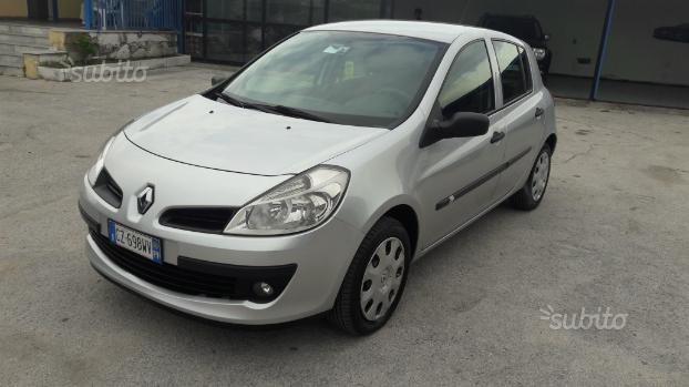 Renault clio 1.2 benz. Km120.000 nuova