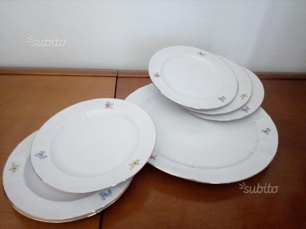Servizio di porcellana di piatto e piattini
