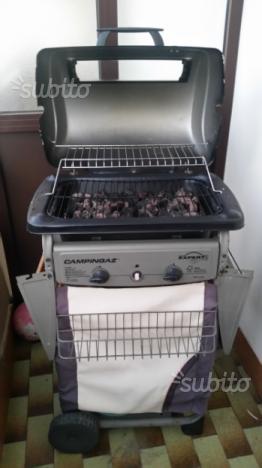 Barbecue a gas con fornellino laterale
