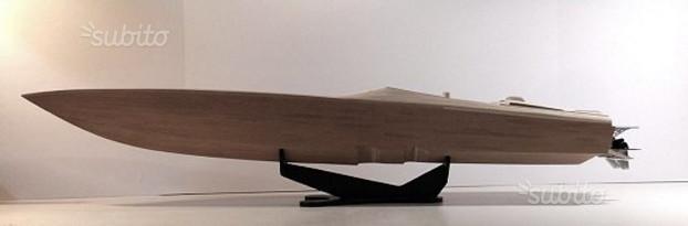 Barca rc in scatola di montaggio