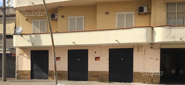 Ampio Locale commerciale in Villa di Briano (CE)