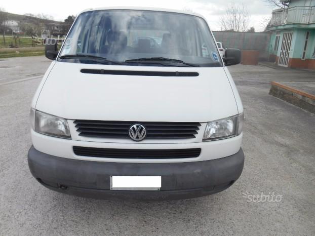 VW Transporter finestrato con 6 posti 1.9 Td