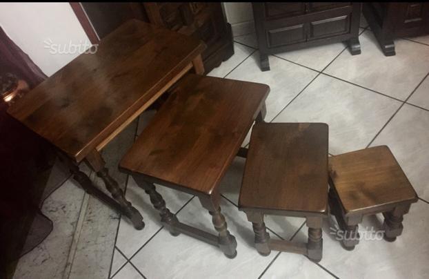 Set di 4 Tavolini ad Incastro in Legno di Toledo S
