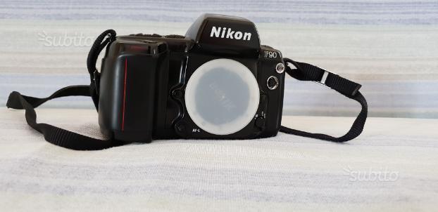 Nikon analogica F90