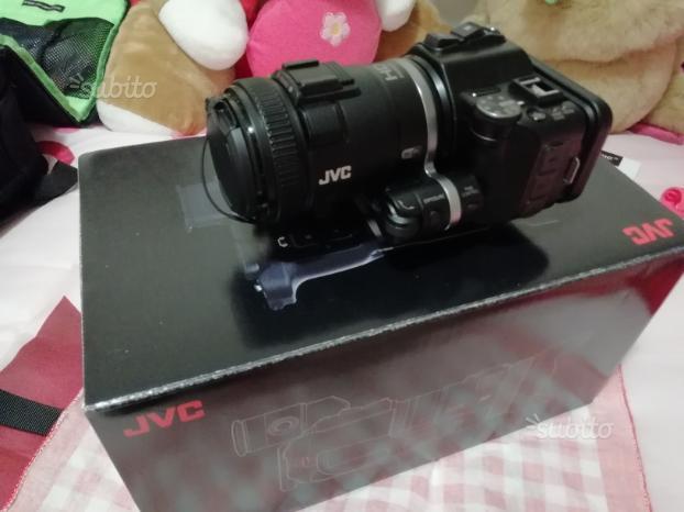 Videocamera professionale JVC