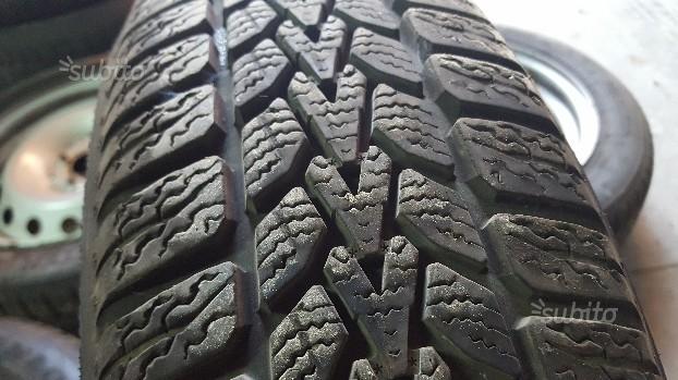 Cerchi con gomme Dunlop da neve nuove 165/65/15