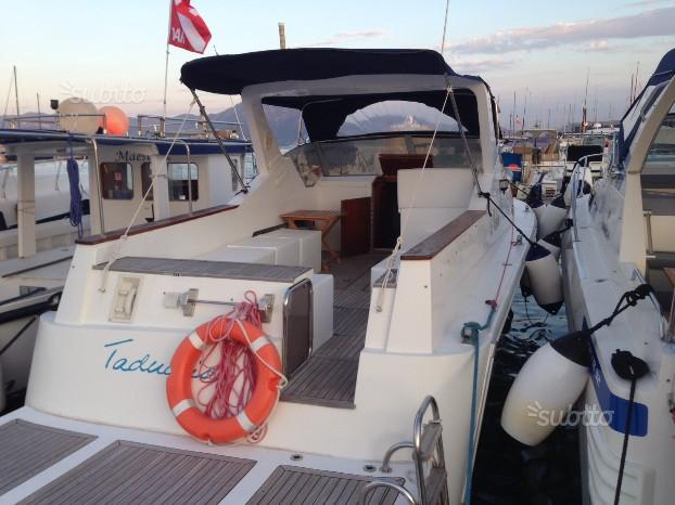 Barca a due motori